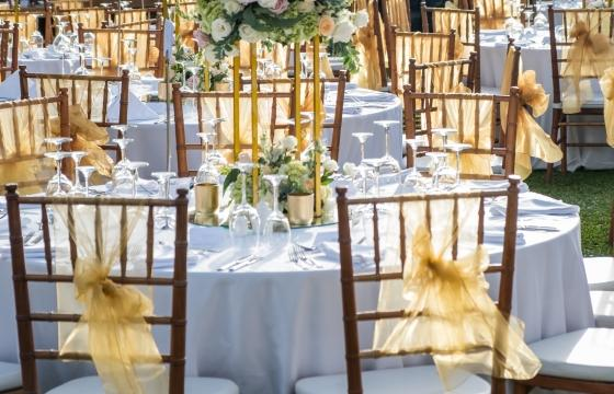 Attracting wedding business